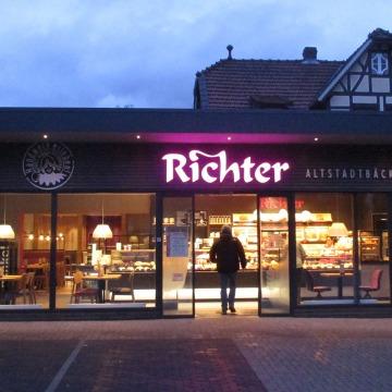 Filialausstattung-Richter-Vechelde-1