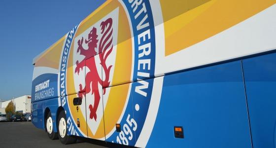 Vollverklebung Omnibus Eintracht Braunschweig