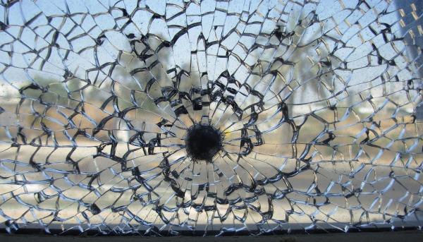 Gebäudefolie Splitterschutz Beispiel