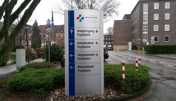 Pylon Ellipso Klinik
